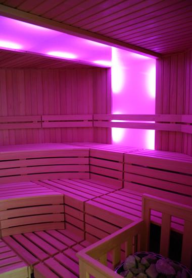 sauna und mehr sauna zu hause. Black Bedroom Furniture Sets. Home Design Ideas