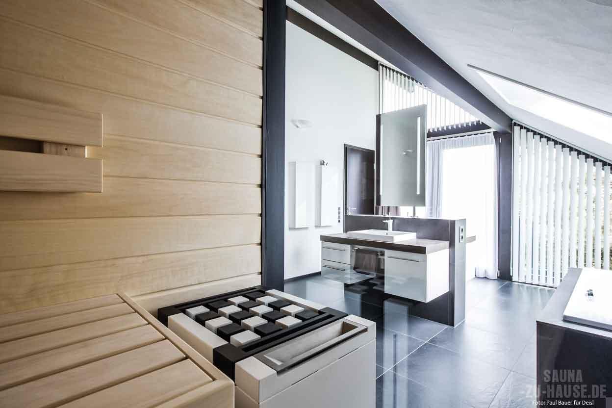 schwarz wei gedacht sauna zu hause. Black Bedroom Furniture Sets. Home Design Ideas